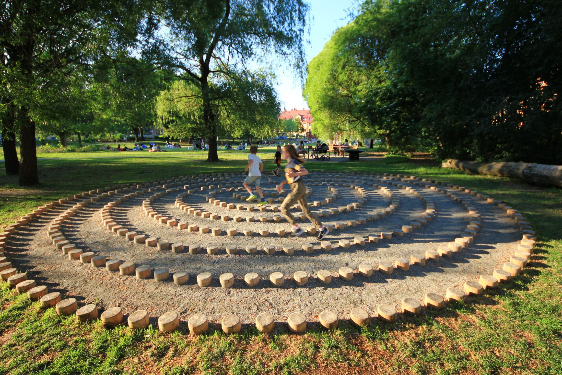 Labyrint i Svandammsparken, Midsommarkransen, Stockholm