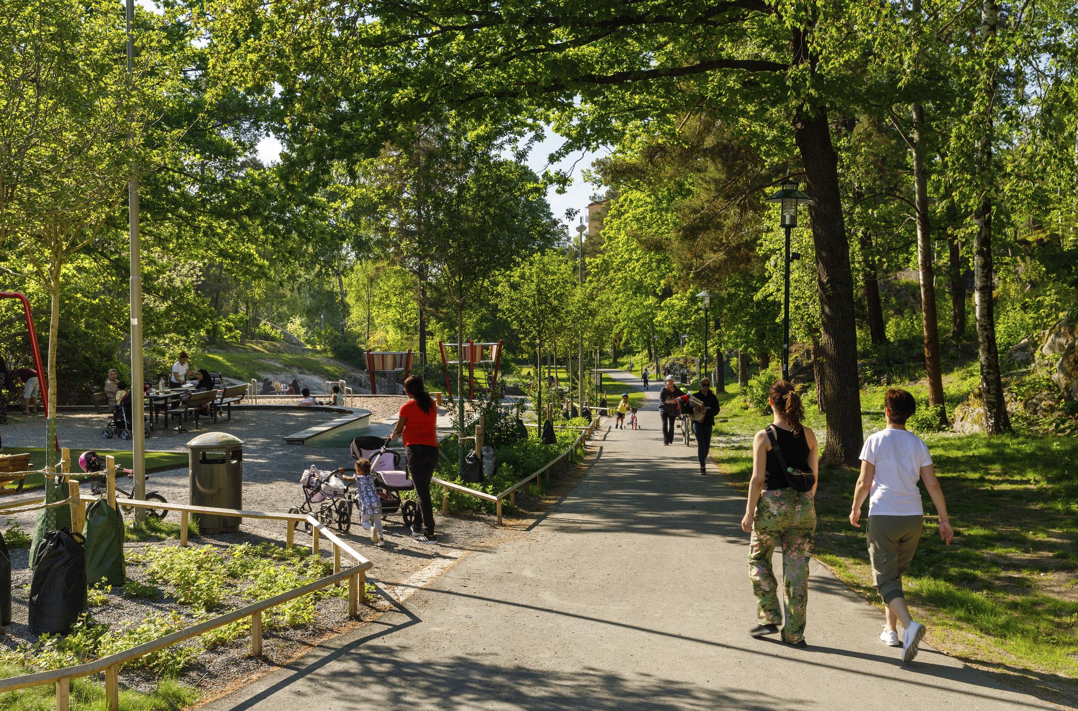 Stadsdelsparken Hagdalen mellan Hagsätra och Rågsved