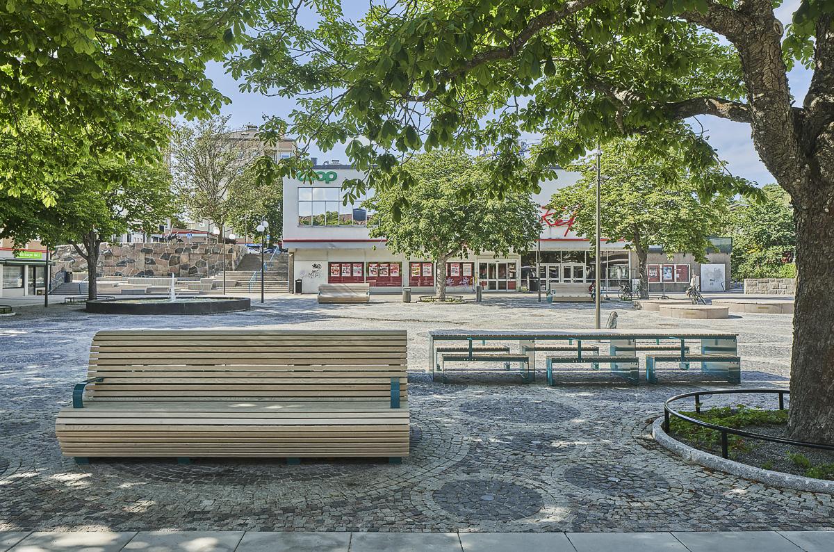 Kärrtorp Centrum, långbord foto