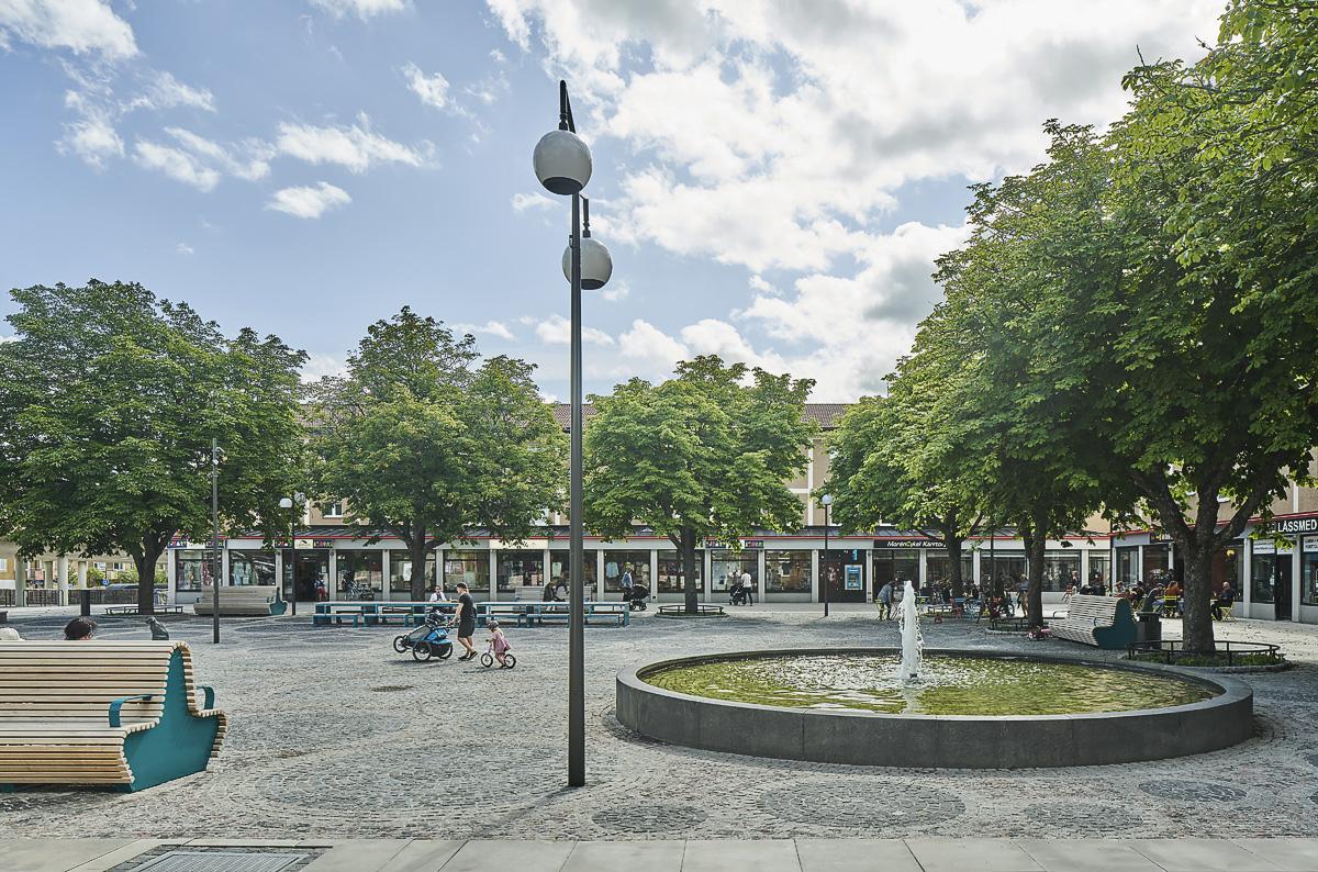 Kärrtorp Centrum fontän foto Åke Eson