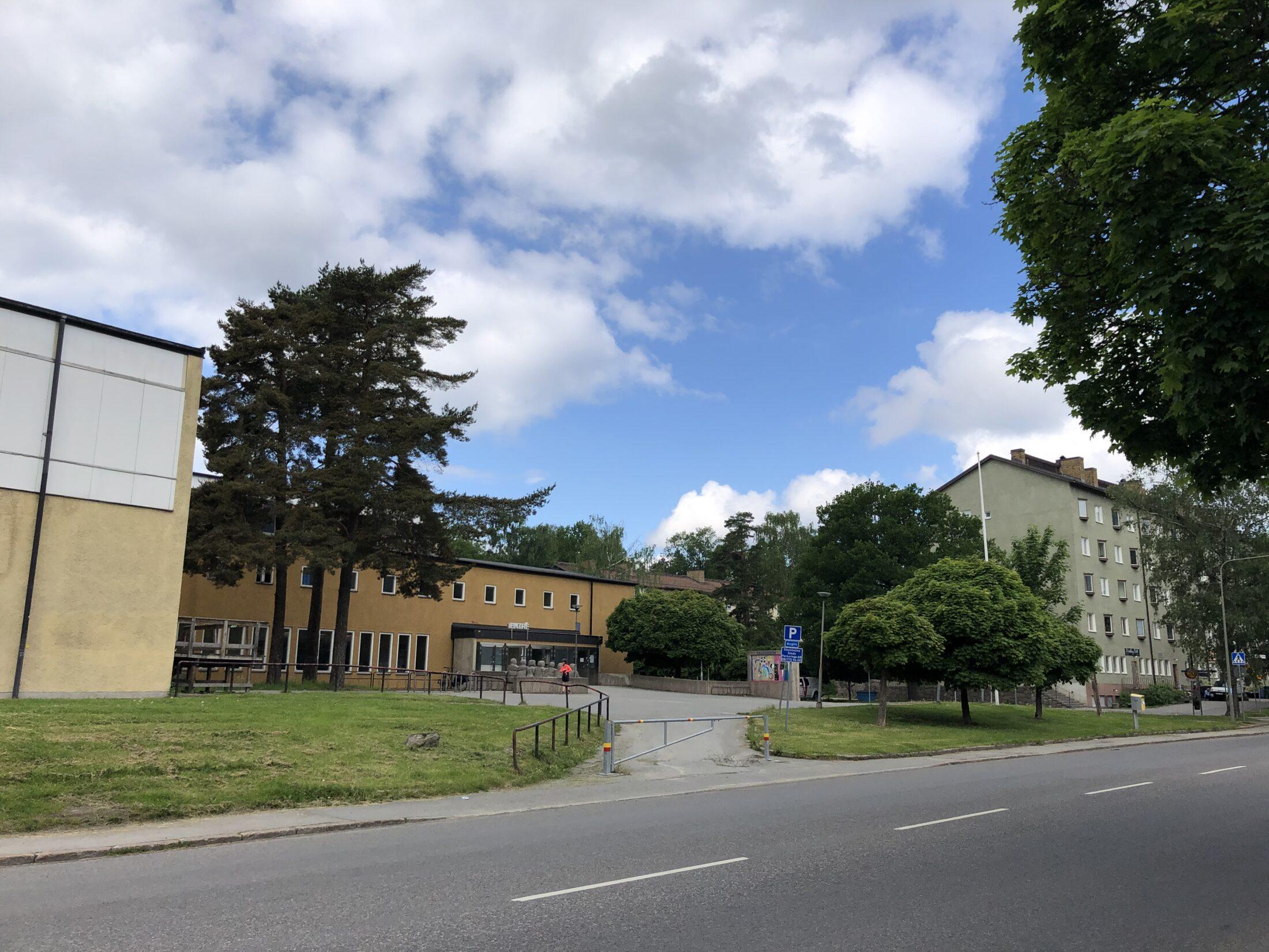 Mellanbergsparken Personnevägen, vy mot Simhall